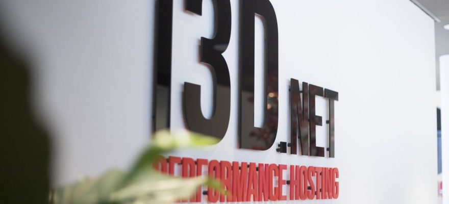 i3D.net Performance Hosting logo on wall